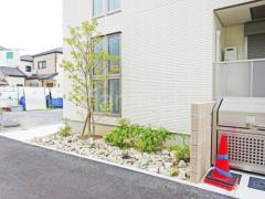 施工例画像:シンボルツリー ソヨゴ 常緑樹 植栽 ロックガーデン ユニソン ワズロック