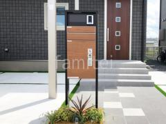 施工例画像:機能門柱 YKKAP ルシアス宅配ポストHB01型