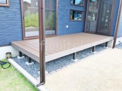 施工例画像:人工木材ウッドデッキ フル木製調テラス屋根