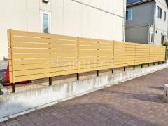 施工例画像:目隠しフェンス塀 F&F マイティウッドデコ