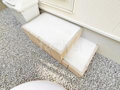 施工例画像:勝手口ステップ 化粧ブロック ユニソン シルマ