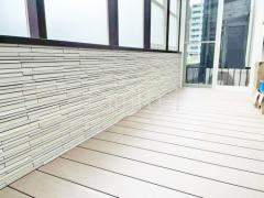 施工例画像:木製調ガーデンルーム LIXILココマ 腰壁仕様