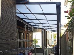 施工例画像:1階テラス屋根 連棟 LIXIL スピーネF