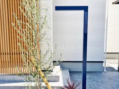 施工例画像:機能門柱 美濃クラフト チャバ シンボルツリー オリーブ 常緑樹 植栽