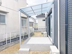 施工例画像:本体色 ピュアシルバー 屋根色 クリアマット